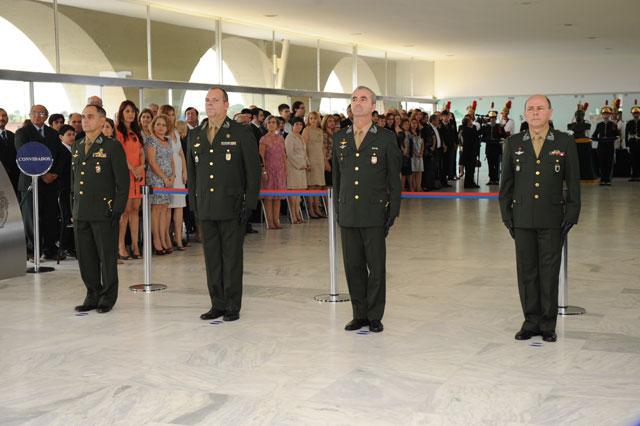 f3d99abc15c1a No dia 19 de dezembro, ocorreu no Quartel–General do Exército a Cerimônia  de Entrega de Espada aos Generais de Brigada promovidos em 25 de novembro.
